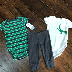 Carter's boys 3 mos 3 piece outfit with alligator